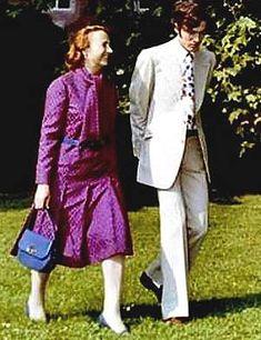 Lovitură de stat 1989 | Nicolae Ceauşescu Preşedintele României site oficial Gq, Instagram, Style, Military, Historia, Venice, Swag, Outfits