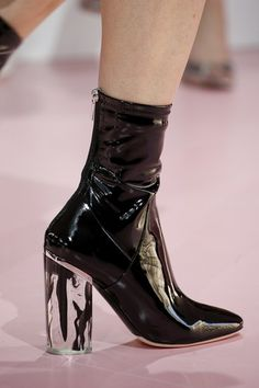 Christian Dior Fall 2015 Ready-to-Wear Fashion Show - Dior Boots - Trending Dior Boots. - Christian Dior Fall 2015 Ready-to-Wear Fashion Show Details Dr Shoes, Sock Shoes, Cute Shoes, Me Too Shoes, Shoe Boots, Ankle Boots, Shoes Heels, Christian Dior Couture, Christian Dior Vintage