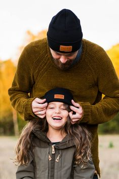 Daddy and daughter beanie outfit. Hipster hiking outdoor look for kids and men. Beanie Outfit, Kids Beanies, Hiking With Kids, Hiking Outdoor, Comfy Casual, Outdoor Outfit, Ladies Dress Design, Kids Wear, Daddy