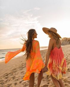 Neons to brighten your day Gypsy Style, Hippie Style, Festival Looks, Show Me Your, Hippie Boho, Boho Chic, Fashion Dresses, Cover Up, Shades
