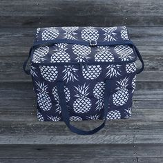 Navy Pineapples Square Cooler Bag – Liddy Lifestyle . #coolerbags #pineappleprint #picnic #picnicideas
