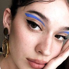 ¡Delineado Gráficos! El Cat Eye que querrás en tus ojos Makeup Inspo, Makeup Art, Beauty Makeup, Makeup Ideas, Makeup Salon, Makeup Hacks, Makeup Style, Beauty Style, Cute Makeup