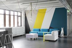 Creating an accent wall can be more than just adding paint color. See five inspiring accent wall ideas that can totally transform any room in your home. Geometric Wall Paint, Geometric Shapes, Geometric Painting, Geometric Designs, Geometric Artwork, Geometric Graphic, Geometric Decor, Interior Walls, Interior Design