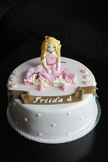 Homemade by MI: Friidan prinsessakakku / a Princess cake for Friid...