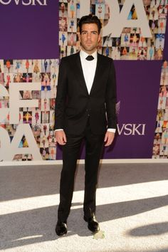 Love what he's wearing - Zachary Quinto