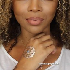 """Ombre Nude Lip  . """"True Brown"""" lip pencil by @lagirlcosmetics applied to the entire rim of the lip & blended upward. """"Cork"""" liner by MAC applied to the other lip to add depth. Blend it out using angled brush by @zoevacosmetics. Apply """"Sand"""" liquid lipstick by @doseofcolors to the center of the lips and blend outward. Apply a hint more lip liner & blend."""