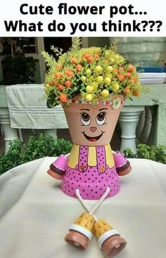 Einrichtungs Ideen 28 enjoyable DIY clay flower pot crafts to indicate your creativity # flower pot Flower Pot Art, Clay Flower Pots, Flower Pot Crafts, Clay Pot Projects, Clay Pot Crafts, Diy Clay, Shell Crafts, Art Projects, Flower Pot People