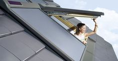 DIY: Vyrobte si originální betonový květináč ze starého ručníku | Prima Living Window Accessories, Electric Awning, Roof Window, Solar Power System, Unique Gardens, Tiny House, Blinds, Product Launch, Windows