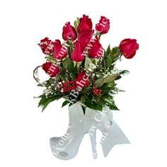 Seramik ayakkabı içinde kaliteli güllerin asil sunumu. Değişiklik İsteyenlere.  Ankara Çiçek. http://www.cicekbahcem.com/cicek/urunlere-gore-cicekler/guller/beyaz-seramik-ayakkabida-11-adet-kirmizi-gul.html