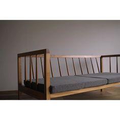 . ショールームでおよそ5年もの間サンプルとして活躍してくれた欅のベンチソファ。 私用としても使っていたほど思い入れのあるソファですが、本日その役目を終えお客様の元へ。 ファブリックを張り替え、本体もオールクリーニングしてのお届けです。  #ソファ#カウチ#片井家具道具#マイホーム#インテリア#家具#オーダー家具#木工#暮らし#ハンドメイド#デザイン#sofa#Couch#woodwork#furniture by kataishigeki http://ift.tt/1QKgyb9