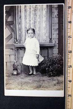 Antique-Cabinet-Card-Photo-Child-in-Dress-Taken-in-Hiawatha-Kansas