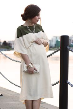 Classy maternity dress... LOVE this!