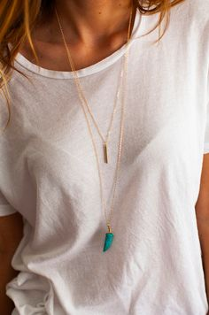 double layered necklace. I love simple outfits. effortlessly put together.