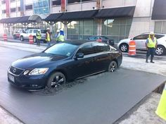 todaysinfo 20 Parking Fails of People Who Should Never Drive Again. There are drivers who are jerks on the road, and then there are drivers who shouldn't even be on the road. Car Fails, Automobile, La Rive, Picture Fails, Construction Worker, Day Work, Dashcam, Car Insurance, Autos