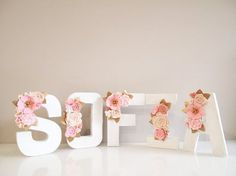 Floral Letter clustered nursery decor/ birthday by kireihandmade - Decoration Baby Shower Themes, Baby Shower Decorations, Shower Ideas, Floral Decorations, Diy Y Manualidades, Flower Letters, Girl Shower, Shower Baby, Baby Decor