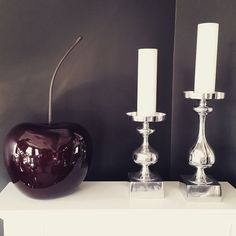 We love the cherry Ha en super dag alle sammen #kroghdesign #interiør #vakrehjem #pyntehjemme #decor #cherry #lysestaker #myefint
