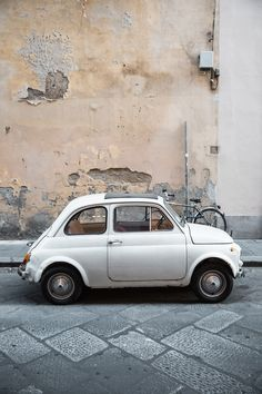 Worried about driving in Italy? Here are 12 things we wish we had known before spending a month with a rental car! Fiat 500, Driving In Italy, Visit Florence, Vintage Italy, Travel Images, Rome Italy, Summer Travel, Italy Travel, Beautiful World