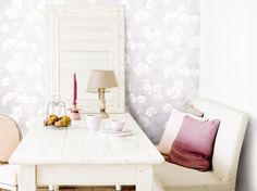 Purple Wallpaper / Paars Behang collectie Nordic Light - BN Wallcoverings