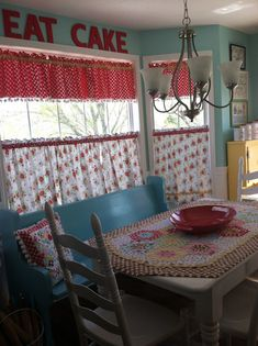 Lori Holt kitchen and she's on YouTube! - Fat Quarter Shop's Jolly Jabber