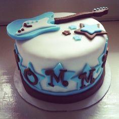 Stoked on Cake: Rockstar Baby Shower Cake & Cupcake Tower Music Baby Showers, Rock Baby Showers, Beautiful Cakes, Amazing Cakes, Rock Star Cakes, Rockstar Birthday, Guitar Cake, Rock Star Party, Cake Cover