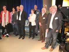 Der Wirtschaftsclub Bamberg verfolgt mit Interesse die Führung durch den Sender.