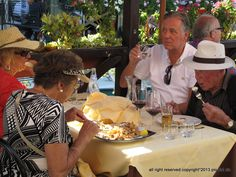 Burano's Restaurant #people #streetphotopio
