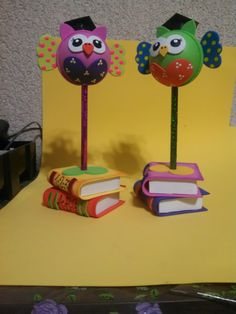 Foam Crafts, Diy And Crafts, Arts And Crafts, Clay Pen, Cute Teacher Gifts, Pencil Toppers, Ideas Para Fiestas, Happy Mothers, Creative Gifts