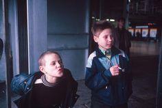 Lise Sarfati. Yakovlev Family 1993 Moscow www.photographsonthebrain.com