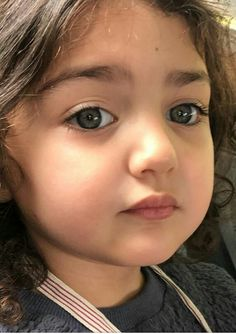 Cute Babies Photography, Children Photography, Nature Photography, Cute Baby Girl Photos, Cute Baby Pictures, Cute Little Girls, Cute Kids, Cute Baby Girl Wallpaper, Amazing Places On Earth