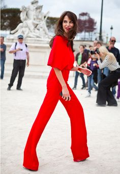 lady in red (jumpsuit) Passion For Fashion, Love Fashion, High Fashion, Womens Fashion, Fashion Trends, Paris Fashion, Street Fashion, Bcbg, Boutique Fashion