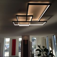 The Trio LT : a product that combines a high quality LED to a unique lighting design - Best Home Decorating Ideas - Easy Interior Design and Decor Tips Ceiling Light Design, False Ceiling Design, Modern Ceiling, Ceiling Lights, Ceiling Ideas, Black Ceiling, Ceiling Lamp, Blitz Design, Deco Luminaire