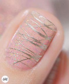 Love this nail art by using our seashell pink jelly Sweet Pea! - Love this nail art by using our seashell pink jelly Sweet Pea! Sparkly Nails, Fancy Nails, Diy Nails, Cute Nails, Pretty Nails, Nail Nail, Red Nail, Pink Nail Art, Silver Nails