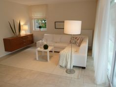 Aufgabe: Aufwertung einer Ferienwohnung mittels Home Staging, hier: Wohnbereich