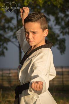 Autumnal photo shoot. Children's outdoor portrait photography. Martial arts. Outdoor Portrait Photography, Snap Photography, Outdoor Portraits, Baby Portraits, Children Photography, Karate Picture, Karate Photos, Taekwondo, Qwan Ki Do