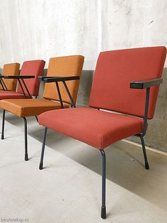 Gispen vintage retro industrieel lounge stoelen Wim Rietveld armchairs easy chairs