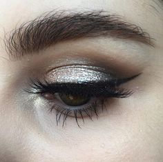 I'm in love with the Australis Metallix Cream Eyeshadows - Album on Imgur