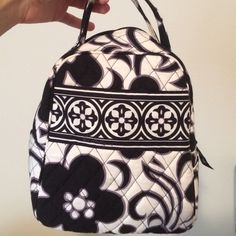 f4cf14418a20 Vera Bradley lunch box!!! Black and white lunch bag. No tears or