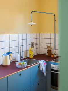 Cabinet Inspiration, Source Of Inspiration, Kitchen Inspiration, Tile Grout, World Of Color, Kitchen Colors, Home Kitchens, Tiny Kitchens, Kitchen Hacks