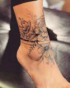 Tattoo Frauen Fuss Klein 17 Ideas – foot tattoos for women Flower Leg Tattoos, Floral Foot Tattoo, Tattoo Flowers, Side Rib Tattoos, Lotus Tattoo Foot, Hawaiian Flower Tattoos, Flower Tattoo On Ankle, Upper Arm Tattoos, Shin Tattoo
