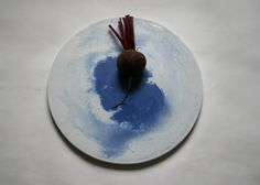 Tableware collection made from dyed concrete