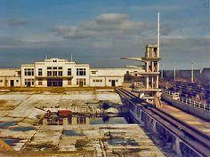 Portobello Open Air Swimming Pool, now closed - 1985 Outdoor Swimming Pool, Swimming Pools, Empty Pool, Blackpool England, Best Pubs, Art Deco Buildings, Edinburgh Scotland, East Sussex, Portobello