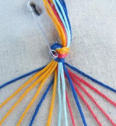 Chevron bracelet with square knot1