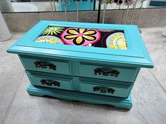 Crafter on a Budget: Jewelry Box Makeovers!