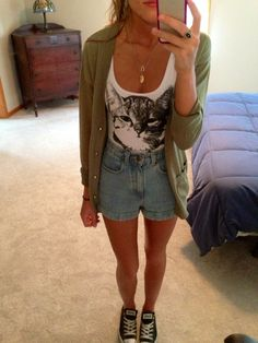 kitty crop top and high waisted shorts :)
