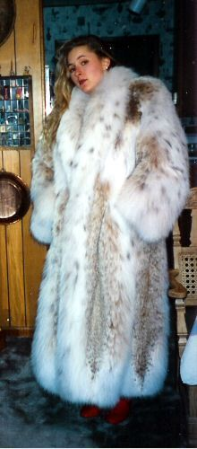 Trade's accepted by furrier who originally made them new, maintained them in cold sotrage for customers, then exchnaged for new coat Sable Fur Coat, Fox Fur Coat, Weird Fashion, Fur Fashion, Lynx, Mens Parka Jacket, Winter Fur Coats, Mens Fur, Fabulous Furs