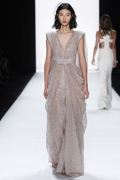 See the complete Badgley Mischka Spring 2016 Ready-to-Wear collection.