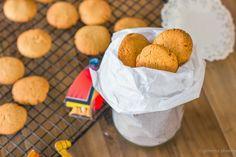 Bolachas de gengibre • Ginger cookies Cupcake Cookies, Cupcakes, Pancakes And Waffles, Snack, Scones, Muffins, Breakfast, Food, Wafer Cookies
