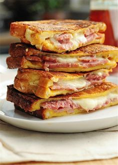 Recipe For Monte Cristo Sandwich - Ham and cheese never looked so good. Try this easy Monte Cristo Sandwich for breakfast, lunch or dinner. Think Food, I Love Food, Good Food, Yummy Food, Soup And Sandwich, Sandwich Recipes, Gourmet Sandwiches, Delicious Sandwiches, Easy Dinner Recipes