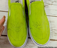 DIY Grinch Shoes - The Keeper of the Cheerios Christmas Shoes, Holiday Shoes, Christmas Canvas, Office Christmas, Christmas Sweaters, Painted Canvas Shoes, Painted Sneakers, Hand Painted Shoes, Whoville Christmas