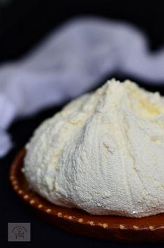 Romanian Desserts, Romanian Food, Cooking Cheese, Cook N, Artisan Food, Homemade Butter, Desert Recipes, Kefir, I Foods